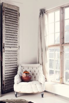 dustjacket attic: White + Wood + design and decoration bedrooms design office ideas house design Scandinavian Home, Home Fashion, My Dream Home, Home And Living, Interior Inspiration, Interior Ideas, Living Spaces, Living Room, Sweet Home