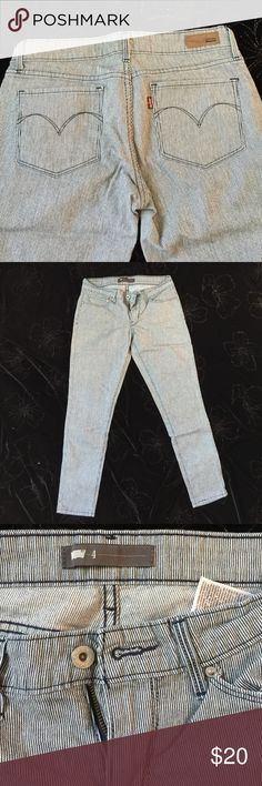 🌎Women Levis pants This ankle length Jean is in Good Condition. Non smoking and pet free Home. Levi's Jeans Skinny