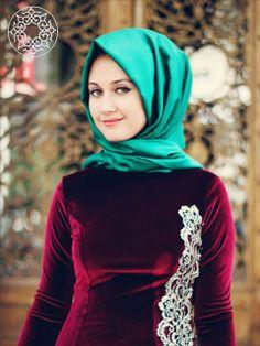 http://www.belginmoda.com/Osmanli-Bordo-Elbise,PR-508.html Pınar Şems Osmanlı Bordo Elbise Manken Bedeni: 38 Kadifedir. Boy 1.73 cm Göğüs92 cm Bel 68 cm Kalça 95. cm