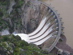 Presa Aldeadávila desembalsando - Electricity sector in Spain - Wikipedia