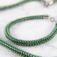 Green beaded bracelet by mobi handmade  #beading #bracelet #bransoletka #beadedbracelet #beadwork #toho #diy #mobihandmade #handmade #jewellery #jewelry #handmadejewelry #craw #bizuteria #koraliki