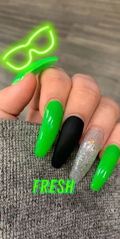 long green nails with one matte black nail amp; one glitter nail - long green nails with one matte black nail amp; one glitter nail long green nails with one matte black nail amp; one glitter nail Acrylic Nails Natural, Black Acrylic Nails, Matte Black Nails, Summer Acrylic Nails, Best Acrylic Nails, Long Black Nails, Spring Nails, Summer Nails, Natural Nails
