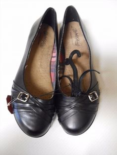 18.79$  Buy here - http://vixdr.justgood.pw/vig/item.php?t=lvjy2l59554 - Womens Faded Glory flats. Size 10. New.