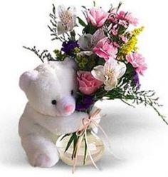Valentine's Day Flower Arrangements, Table Arrangements, Dark Pictures, Happy Friendship Day, Ideas Para Fiestas, Flower Boxes, Minimalist Wedding, Plushies, Daisy