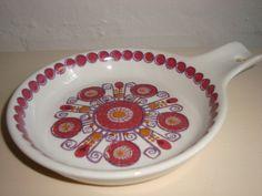 "FIGGJO FLINT ""Barcarole"" 1960-70'erne - TURID GRAMSTAD OLIVER. #figgjoflint #barcarole #turidgramstadoliver #porcelain #dinnerware . From www.TRENDYenser.com.  SOLGT/SOLD"