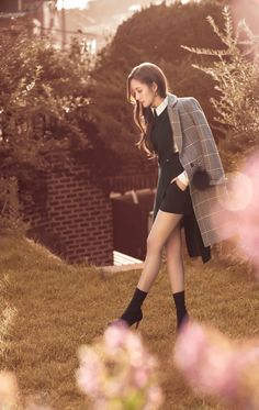 Park Mignon shoots in intense heat. - Park Myeong-young shoots in intense heat … A gravure behind cut with the atmosphere of autumn is - Korean Actresses, Korean Actors, Actors & Actresses, Kpop Fashion, Korean Fashion, Korean Beauty, Asian Beauty, Korean Girl, Asian Girl