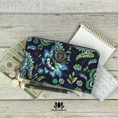 Get started with your cash envelope budget in style!  Perfect for Dave Ramsey's envelope system. The Bella Taylor Cash System Wallet is available in 15 fun prints.  Exclusively at The BitLoom Co.