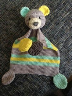 DIY Crochet Toy - Häkelbär Kuscheltier - crochet - Leads For Amigurumi Crochet Security Blanket, Crochet Lovey, Crochet Baby Toys, Crochet Bunny, Crochet Patterns Amigurumi, Crochet For Kids, Crochet Animals, Diy Crochet, Crochet Crafts