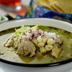 Receta: Pozole verde de puerco al estilo mexicano Pozole Recipe Pork, Pozole Verde Recipe, Pork Posole, Greek Recipes, Pork Recipes, Mexican Food Recipes, New Recipes, Cooking Recipes, Healthy Recipes