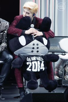 I want what's between Zelo's legs... Don't get pervy. You thought it not me..