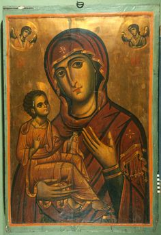 Virgin and Child with Two Angel Medallions · The Sinai Icon Collection Byzantine Icons, Byzantine Art, Religious Icons, Religious Art, Paint Icon, Christian Artwork, Russian Icons, Icon Collection, Orthodox Icons
