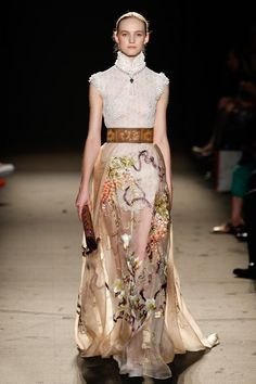 Laurence Xu: VOGUE PARIS SHOWOS COUTURE FALL/WINTER