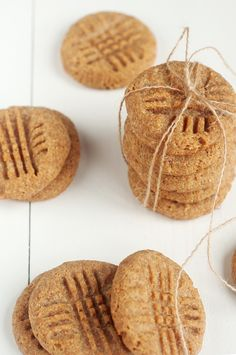 These Peanut Butter Doggie Cookies were created specifically for dogs who have dental issues. Of course, younger dogs will also enjoy these healthy homemade cookies. Dog Cookie Recipes, Dog Biscuit Recipes, Dog Treat Recipes, Dog Food Recipes, Dinner Recipes, Soft Dog Treats, Puppy Treats, Homemade Dog Treats, Homemade Cookies