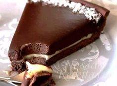 Fácil, fácil! Aprenda receita de torta de chocolate com ganache branco http://r7.com/nwkg