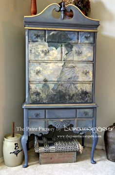 Rustic Furniture DIY Home Furniture Wall Colors Painting Wooden Furniture, Decoupage Furniture, Refurbished Furniture, Repurposed Furniture, Shabby Chic Furniture, Furniture Projects, Rustic Furniture, Furniture Makeover, Vintage Furniture