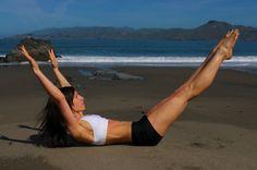 double leg stretch, pilates mat, amberzuckswert