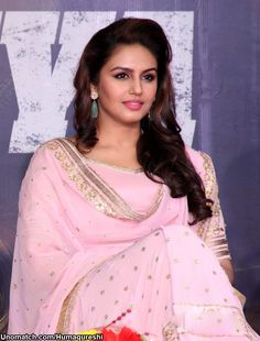 Huma Qureshi (pronounced [ɦuːmaː qureʃiː]; born 28 July 1986 in Delhi) is an Indian actress who mainly works in Hindi cinema. She worked as a theatre actor and model before beginning her film career.  like : http://www.Unomatch.com/Humaqureshi/