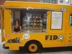 Check out Our Interview with Dog Food Truck owner Donna Santucci in Chicago!  It is inside our new magazine in iTunes newsstand.  here is a link.  http://itunes.apple.com/us/app/healthy-dog-food-magazine/id555401247?mt=8