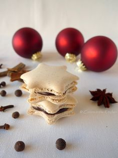 Colors in the Kitchen: Karácsonyi fűszeres macaron narancsos-csokoládékrémmel Macarons, Biscuits, Sweets, Cookies, Cake, Food, Crack Crackers, Crack Crackers, Gummi Candy