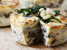 Pilz-Mozzarella-Quiche mit Pinienkernen - smarter - Zeit: 40 Min. | eatsmarter.de