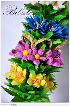 Stylowi.pl - Odkrywaj, kolekcjonuj, kupuj Diy And Crafts, Paper Crafts, Quilling Art, Petunias, Paper Flowers, Floral Wreath, Joy, Spring, Gifts