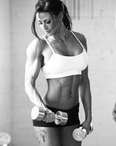 Fitness Form #StrongOverSkinny #Motivation #WomenLift2