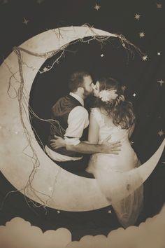diy moon photobooth
