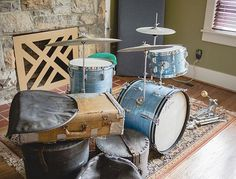 @nelsondrumco with this '64 Rogers and shell mounted hardware