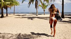 How to Pack the Perfect Beach Bag with Monyca