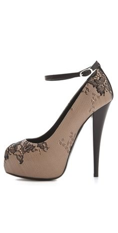 Black lace on nude pump