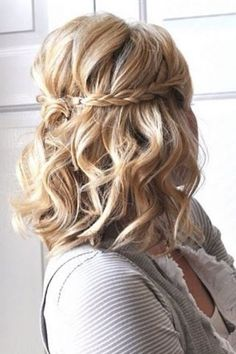 Perfect Hairstyle Wedding Bob Fine Hair for Hairstyles 2019 Medium Long # Hairstyle – Trendy Ladies Hairstyles – - Coiffure Sites Hairstyles For Medium Length Hair Easy, Prom Hairstyles For Short Hair, Homecoming Hairstyles, Medium Hair Styles, Easy Hairstyles, Short Hair Styles, Hairstyle Wedding, Ladies Hairstyles, Updo Hairstyle