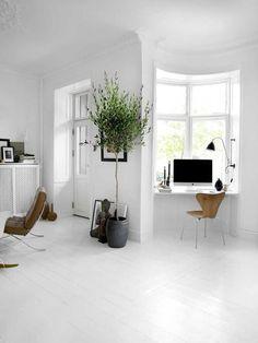 Schmaler Nischen Home Office Arbeitsplatz