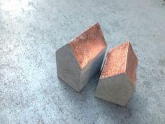 Deko-Objekte - 2er Set Betonhäuschen Kupfer - ein Designerstück von m_hoch3 bei DaWanda