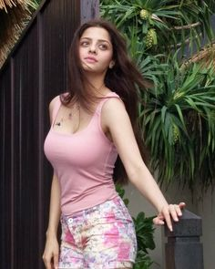 Vedhika is a Tamil actress who works primarily in Kollywood films and other languages of South India. Vedhika was born in Mumbai, Maharashtra, Beautiful Girl Indian, Beautiful Indian Actress, Beautiful Actresses, Beautiful Women, Beautiful Gorgeous, Beautiful Models, Bollywood Girls, Bollywood Fashion, Mode Swag