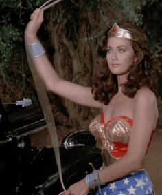 A Tribute To Lynda Carter And Her Iconic Portrayal Of Wonder Woman pics) Linda Carter, Someone To Love Me, Vintage Television, Wonder Woman, Batman Vs Superman, Sexy Gif, Gal Gadot, Tv Shows, Arizona