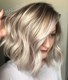 Bronde Lob With Silver Highlights