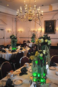 R. John Wright 2010 Convention.  The Wizard of Oz breakout event featured glowing centerpieces by Lillian Wright.  Click here to register for the 2016 40th Anniversary Convention.  http://rjohnwright.com/2016convention.html