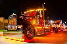 — Kenworth custom W900L light show
