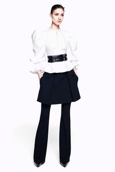 Alexander McQueen Pre-Fall 2012   http://www.style.com/fashionshows/complete/2012PF-AMCQUEEN