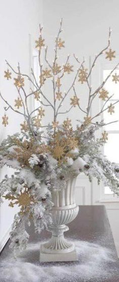 exquisite totally white vintage christmas ideas 4 Christmas White Vintage Decoration Ideas