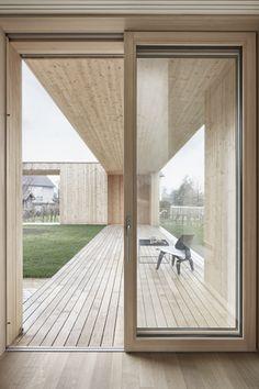 Bernardo Bader - Courtyard house, Wolfurt 2014. Photos ©...