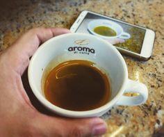 AROMA DI CAFFÈ  . No es sólo una taza de café. Es el sabor de nuestra historia de nuestra tradición y de nuestra pasión en cada taza del mejor café... . Somos #AromaDiCaffé.  . #AromaDiCaffé#MomentosAroma#SaboresAroma#Café#Caracas#Tostado#Coffee#CooffeeTime#CoffeeBreak#CoffeeMoments#CoffeeAdicts#MeetTheBarista#Espresso#CaféPostre