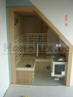 Sauna met schuin dak 011 Sauna Steam Room, Sauna Room, Loft Bathroom, Bathroom Layout, Bathrooms, Mini Sauna, Sauna Shower, Indoor Sauna, Portable Sauna