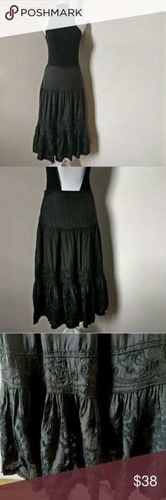 ZARA black Skirt with embroidery on the bottom. ZARA black Skirt with embroidery on the bottom. Zara Skirts Midi