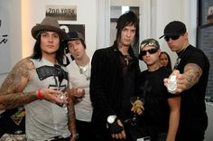 Find images and videos about avenged sevenfold, and synyster gates on We Heart It - the app to get lost in what you love. Matt Sanders, Jimmy The Rev Sullivan, High School Crush, M Shadows, Zacky Vengeance, Synyster Gates, Actor James, Avenged Sevenfold, Most Beautiful Man