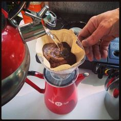 En de eerste koffie in de maak… #KKOM @geluksroute (bij Ons Moeder) - CoachSander.nl