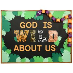 VBS Vacation Bible School Ideas Create this WILD bulletin board for your jungle themed VBS program. Safari Bulletin Boards, Summer Bulletin Boards, Church Bulletin Boards, Preschool Bulletin Boards, Jungle Crafts, Vbs Crafts, Preschool Crafts, Safari Crafts, Preschool Jungle