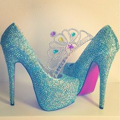 <3 Sparkly Light Blue <3