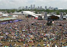 New Orleans Jazz & Heritage Festival (Late April-Early May), New Orleans, LA