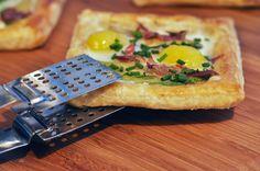 Simple breakfast tart- http://luxirare.com/simple-breakfast-tart/